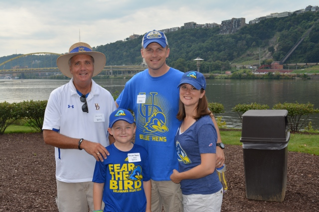 UD Alumni Family at Tailgate