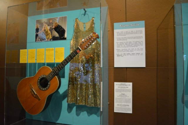 Taylor Swift at the Rock Hall
